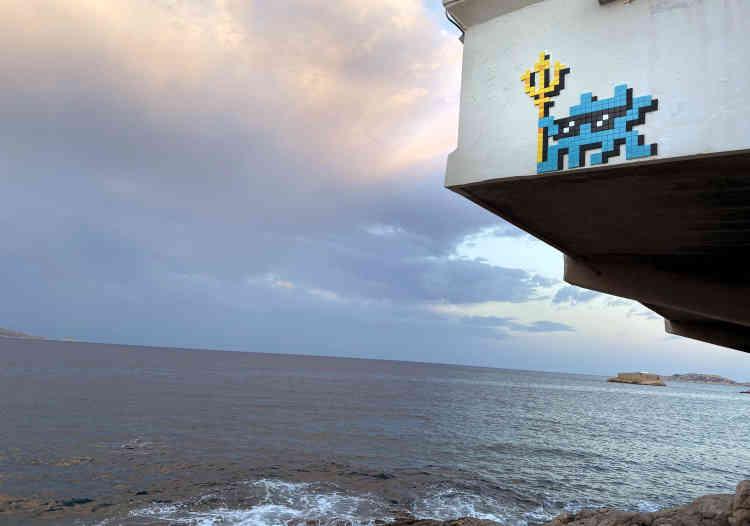 Petit dieu de la mer, en surplomb de la plage du Petit-Nice(MARS_65, Marseille, 2020).