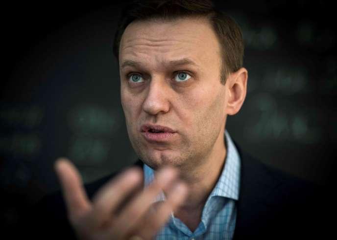 L'opposant russe Alexeï Navalny lors d'un entretien avec l'AFP au bureau de sa Fondation anti-corruption (FBK), à Moscou, le 16 janvier 2018.