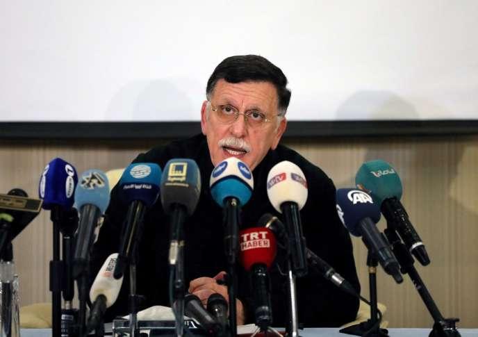 Faïez Sarraj, reconnu internationalement comme le premier ministre libyen, lors d'une conférence de presse à Tripoli, le 15février2020.