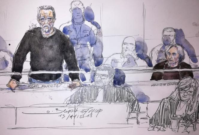 Michel Fourniret devant la cour d'assises de Versailles (Yvelines), au premier jour de son procès pour le meurtre deFarida Hammiche, en 1988, au côté de son ex-femme, Monique Olivier (à droite), accusée de complicité.