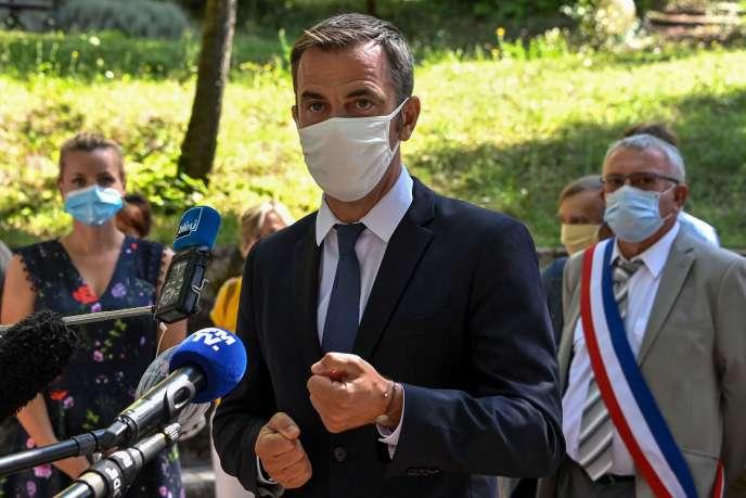 Le ministre de la santé, Olivier Véran, le 21 août à Florac.
