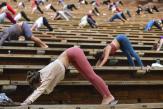 Le yoga, nouvelle porte d'entrée aux dérives complotistes et sectaires