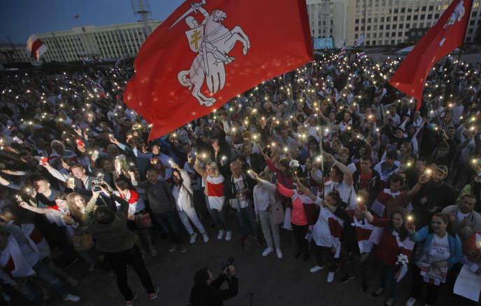 Manifestation de supporteurs de l'opposition à Minsk le 22 août.