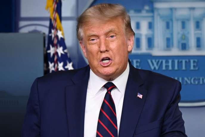 Le président américain Donald Trump lors d'une conférence de presse sur le traitement du Covid-19 à Washington le 23 août 2020.