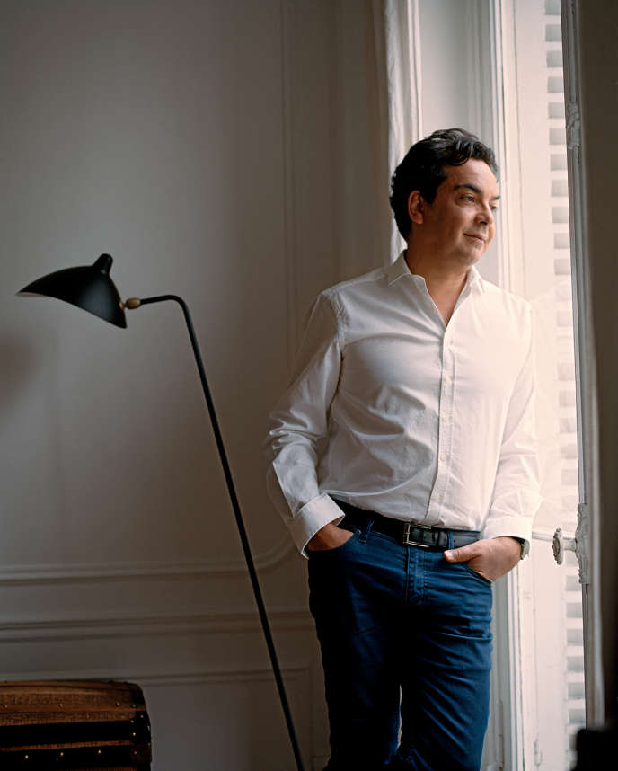 Patrick Cohen, chez lui, à Paris, le 2 juillet.