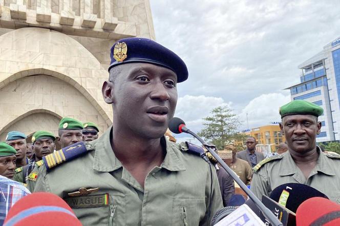 Le colonel-major Ismaël Wagué, porte-parole du CNSP, à Bamako, le 21août.