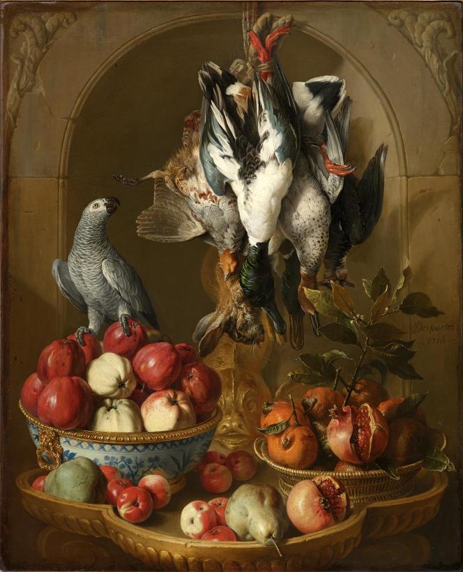 « Nature morte au trophée de gibier, fruits et perroquet sur fond de niche », daté de 1716 et signé François Desportes est estimé entre 150 000 et 200 000 euros par le cabinet Turquin.