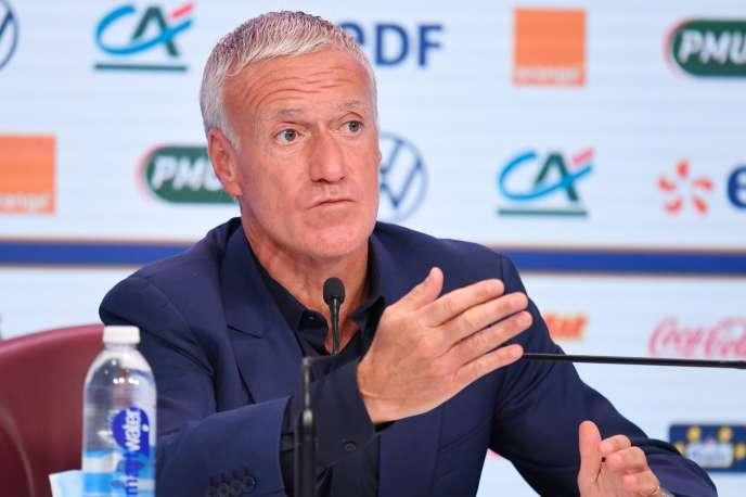 Le sélectionneur de l'équipe de France, Didier Deschamps, en conférence de presse, jeudi 27 août.
