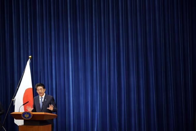 Le premier ministre japonais, Shinzo Abe, annonce sa décision de démissionner lors d'une conférence de presse, le 28août à Tokyo.