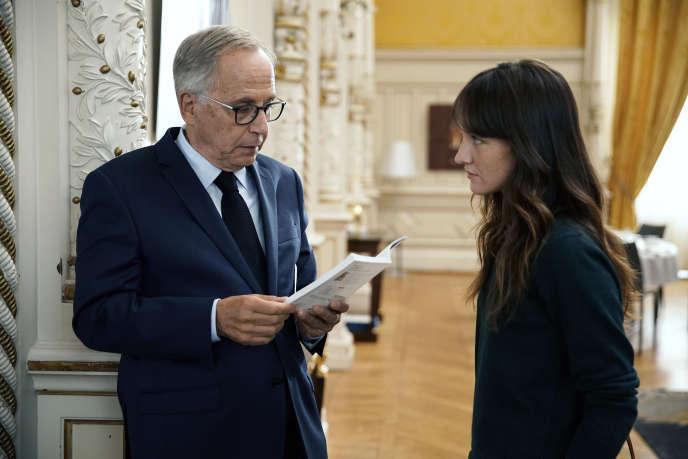 Fabrice Luchini (le maire de Lyon) et Anaïs Demoustier (sa conseillère) dans «Alice et le maire» (2019), de Nicolas Pariser.