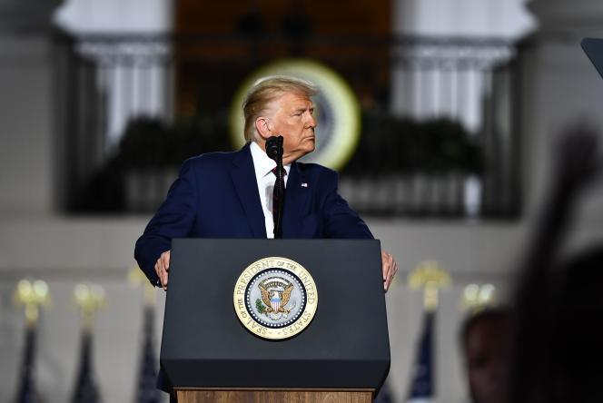 Donald Trump prononçant son discours de clôture de la convention républicaine depuis une pelouse de la Maison Blanche, à Washington, le 27 août.