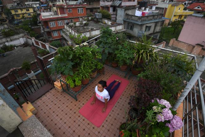 Séance de yoga àKatmandou (Népal), le 21 juin.