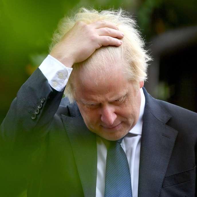 Le premier ministre britannique, Boris Johnson, le 15 août en marge de la commémoration du 75e anniversaire de la victoire sur le Japon, à Alrewas, au centre de l'Angleterre.