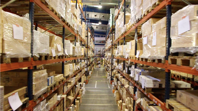 Chais de stockage du marchand de vins en ligne, WineandCo, à Bordeaux.