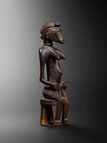 Statue Senoufo, Côte d'Ivoire, fin XIXe-début XXe siècle. Provenance : collection privée, Paris ; Robert Duperier, Paris.