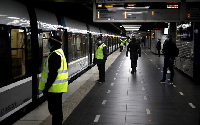 A la gare du Nord, à Paris, le 15 mai.