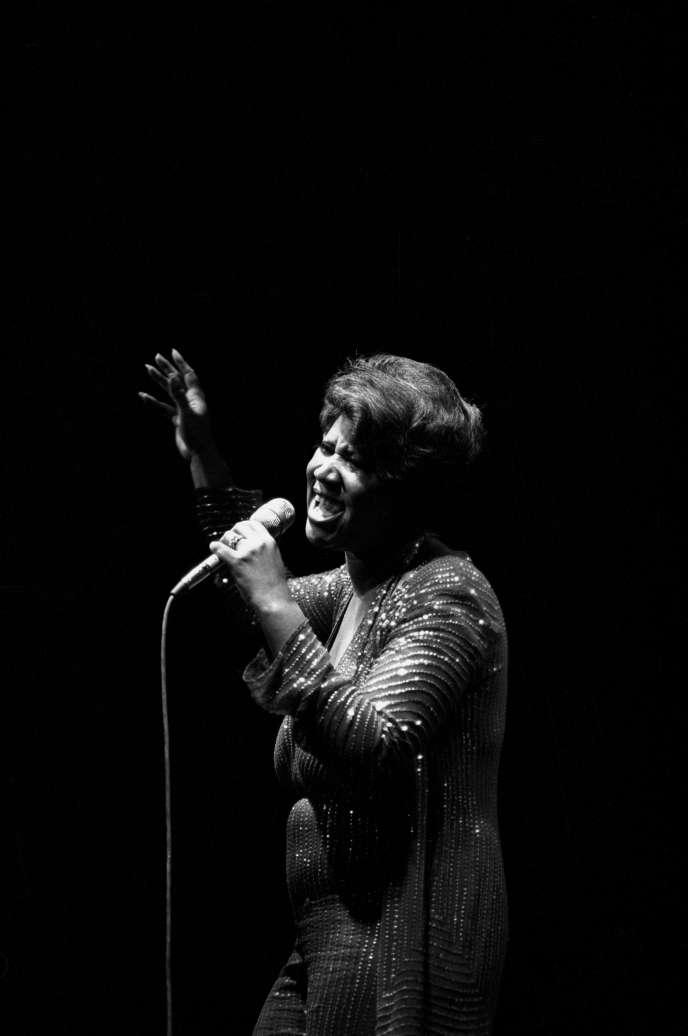 Aretha Franklin en concert au New Victoria Theatre, Angleterre, en 1980.