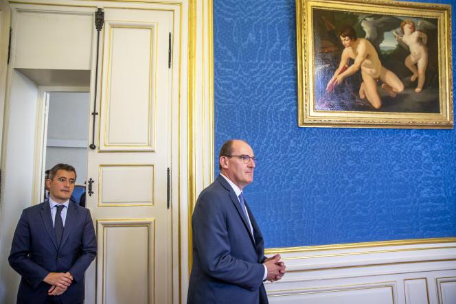 Jean Castex fait une déclaration à la presse en présence de Gérald Darmanin, au sujet de violences qui ont eu lieu à Dijon, le 10 juillet.