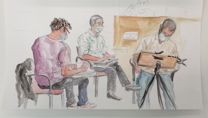 De gauche à droite, les dessinateurs Benoît Peyrucq (Agence France-Presse), François Boucq («Charlie Hebdo«) et Mathieu Boucheron (France Inter) lors du procès des attentats djihadistes contre «Charlie Hebdo», la policière Clarissa Jean-Philippe et le supermarché Hyper Cacher de la porte de Vincennes.