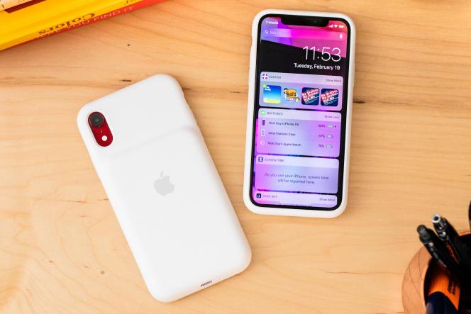 La Smart Battery d'Apple indique le niveau de chargement sur l'écran de l'iPhone, ce qu'aucune autre coque batterie ne peut faire.