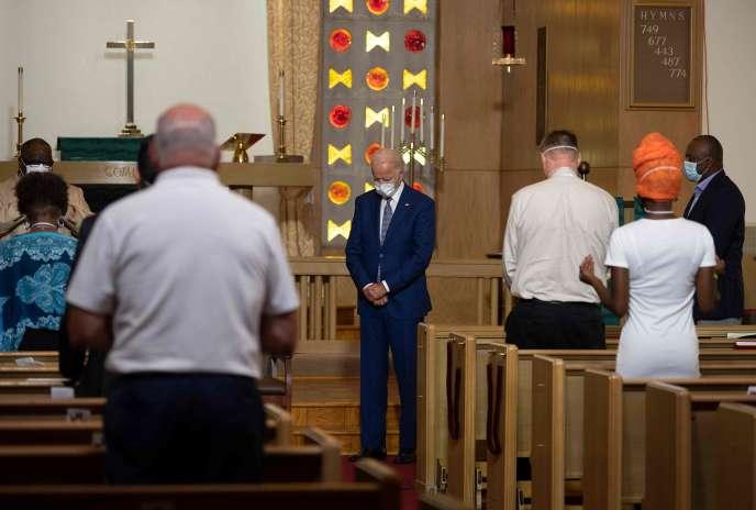 Joe Biden pendant un temps de prière dans une église luthérienne à Kenosha, dans le Wisconsin, le 3 septembre.