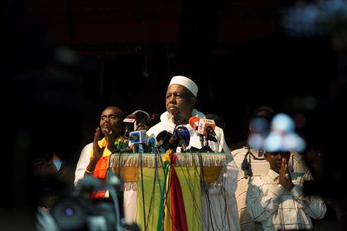 L'imam salafiste Mahmoud Dicko, à Bamako, le 28 août.