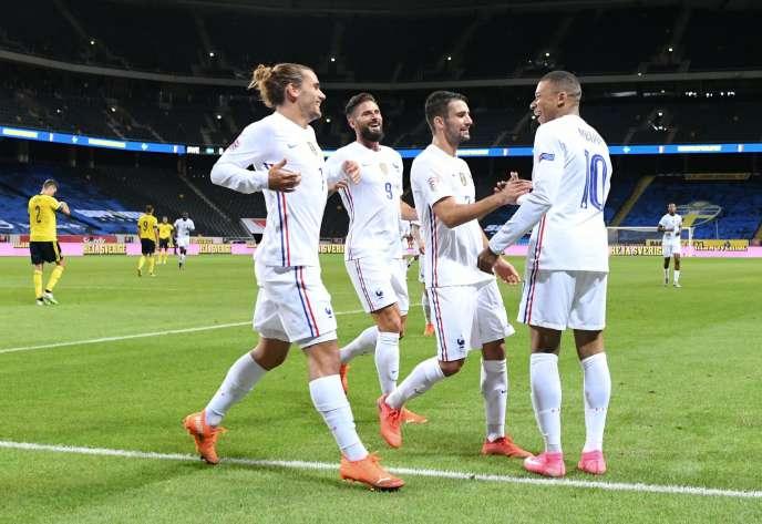 Kylian Mbappé célèbre le premier but contre la Suède le 5 septembre à Solna, près de Stockholm.