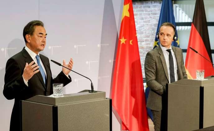 Le ministre chinois des Affaires étrangères Wang Yi et son homologue allemand Heiko Maas lors de leur rencontre à Berlin le 1er septembre.