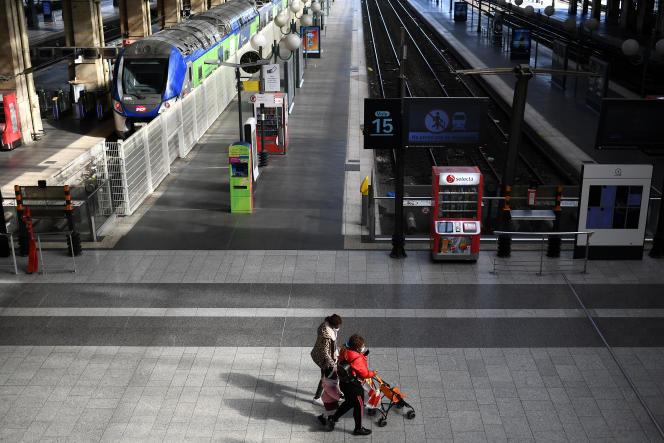 A la gare du Nord, à Paris, le 1er avril.