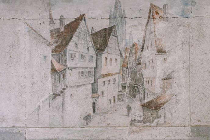 Une quinzaine de fresques ont été retrouvées dans le bunker « Martha». Elles représentant notamment des paysages de bord du Rhin ou du Tyrol autrichien.