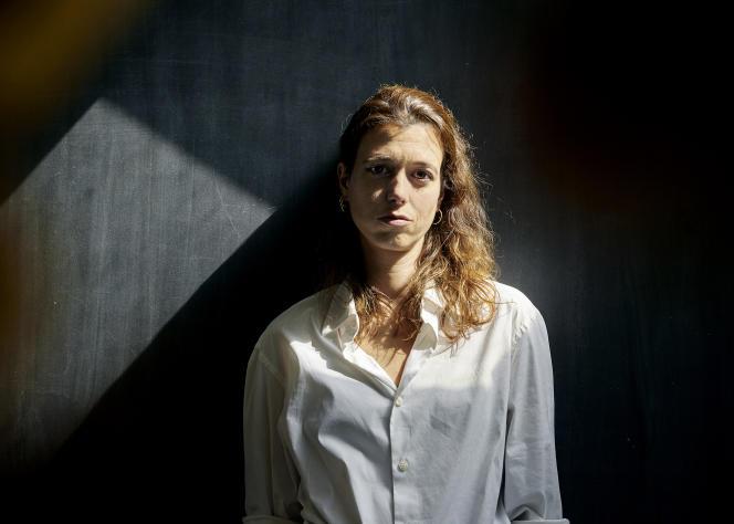 L'écrivaine Francesca Serra, à Paris, le 7 septembre.