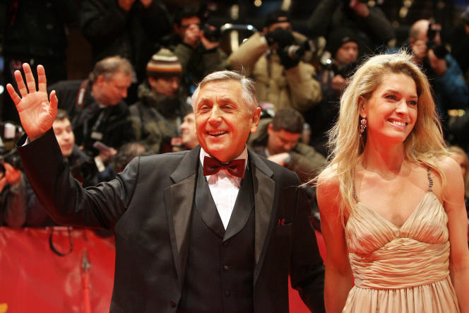 Le cinéaste Jiri Menzel et son épouse, Olga Menzelova, au 57e Festival du film de Berlin, en février 2007.