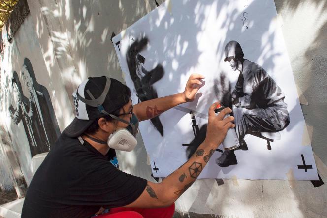 «L'humour et la provocation sont nos seules armes», explique Headache Stencil (ici, en septembre 2018).