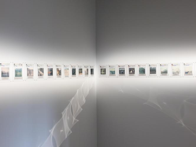 Les Polaroid légendés des Road Dogs exposés au Palais de Tokyo, à Paris.