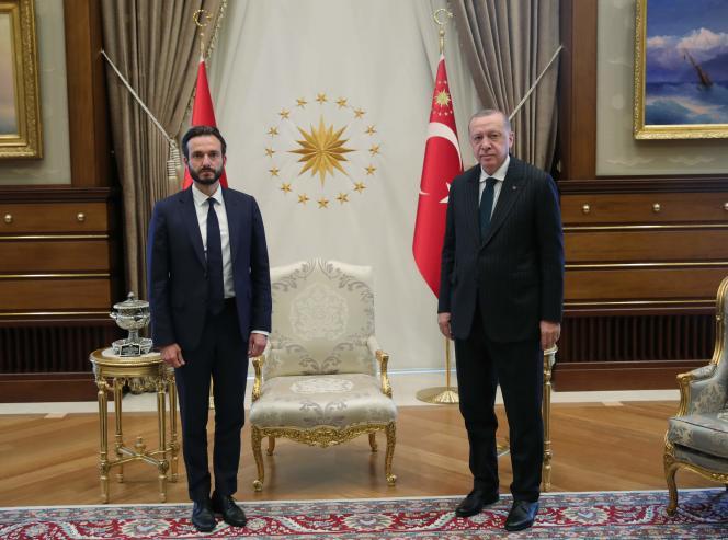 Le président turc, Recep Tayyip Erdogan (G) le président de la Cour européenne des droits de l'homme,Robert Spano (D),à Ankara, le 3 septembre.