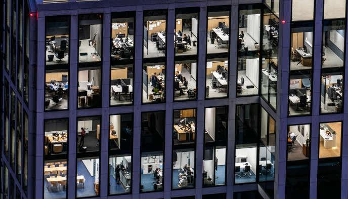 Les SCPI investissent souvent dans l'immobilier de bureaux.