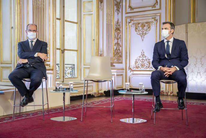 Jean Castex, Premier ministre, et Olivier Véran, ministre de la Santé, participent à une conférence de presse à propos de la reprise de l'épidémie de Covid-19 en France à l'Hotel Matignon à Paris, jeudi 27 aout 2020.