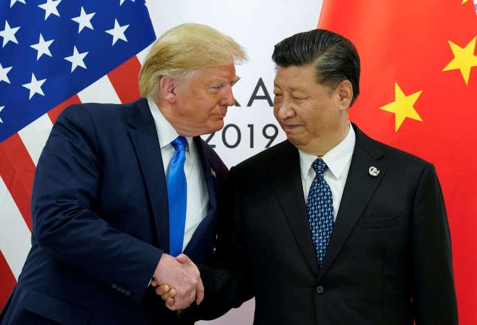 Le président Américain, Donald Trump rencontre le président Chinois, Xi Jinping, au G20 d'Osaka (Japon), le 29 juin.