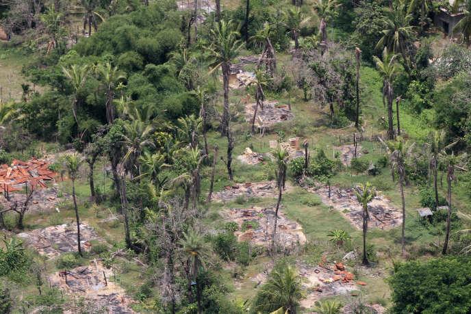 Vue aérienne d'un village Rohingya détruit, en Birmanie, le 1er août 2018.