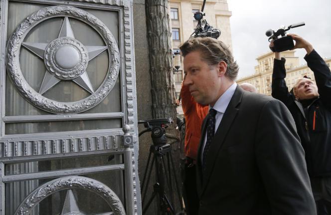L'ambassadeur allemand, Geza Andreas von Geyr, à son arrivée au ministère des affaires étrangères russe, à Moscou, mercredi 9 septembre.