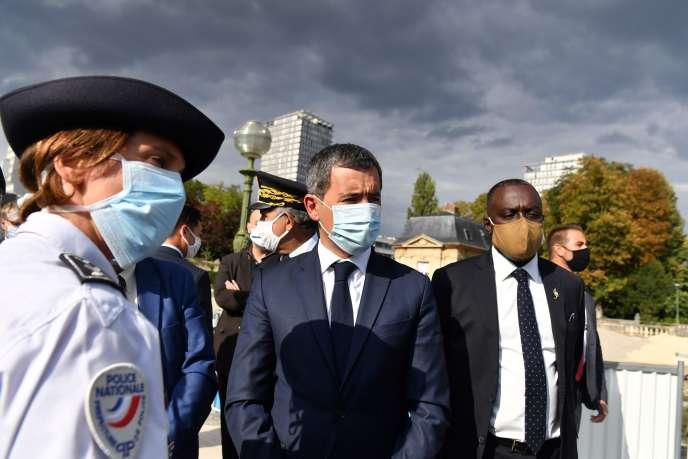 Le ministre de l'intérieur, Gérald Darmanin, lors d'une opération antidrogue, à Choisy-le-Roy (Val-de-Marne), le 1er septembre.
