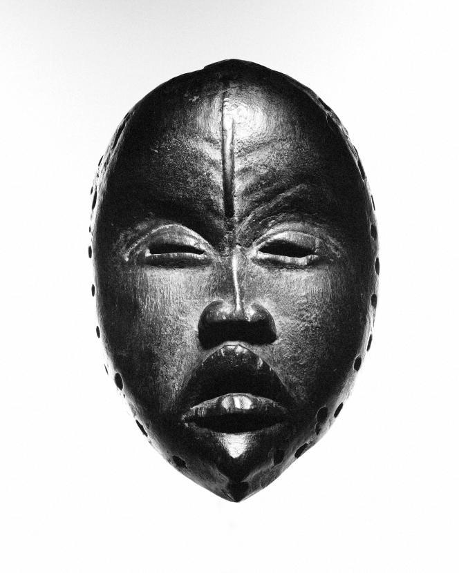 Masque Dan, Côte d'Ivoire (hauteur 22,5 cm), galerieWesley-Hourdé.