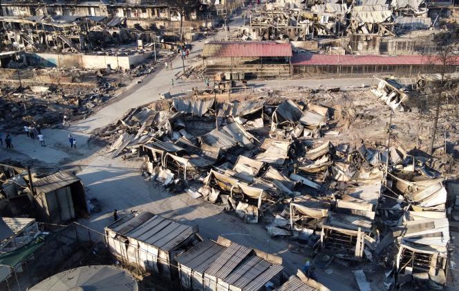 Vue aérienne des destructions du camp de réfugiés de Moria, à Lesbos (Grèce), le 9 septembre.