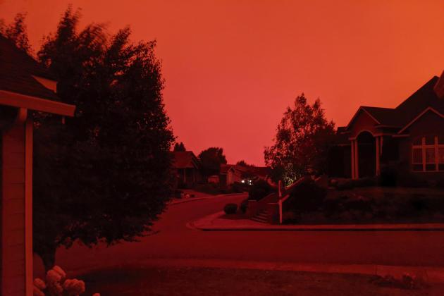Le ciel apocalyptique de Salem, Oregon à 17 heures le 8 septembre.