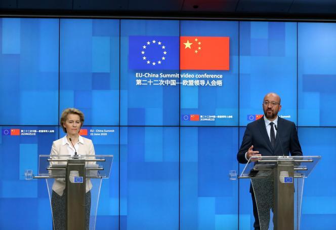 La présidente de la Commission européenne, Ursula von der Leyen, et le président du Conseil européen, Charles Michel, le 22 juin, à Bruxelles.