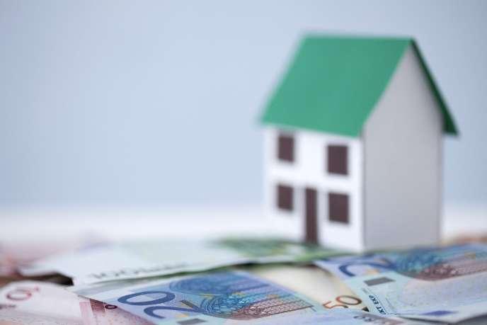 il est encore trop tôt pour connaître la tendance future du marché de l'immobilier: si les prix baissent en fin d'année, il est préférable d'attendre un peu de façon à profiter de conditions encore plus favorables.