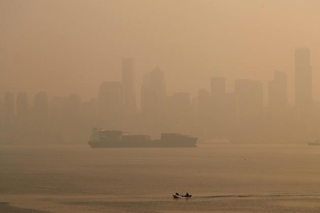 À Seattle, Washington, la pollution créée par les incendies de forêt s'est aggravée le vendredi 11 septembre.