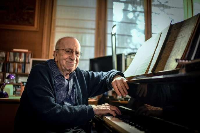 Le pianiste et compositeur Martial Solal, chez lui à Chatou, le 28 novembre 2018.