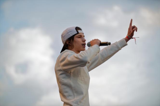 Moha La Squall ist eine der größten Enthüllungen des Jahres 2018, der Autor des ersten Albums