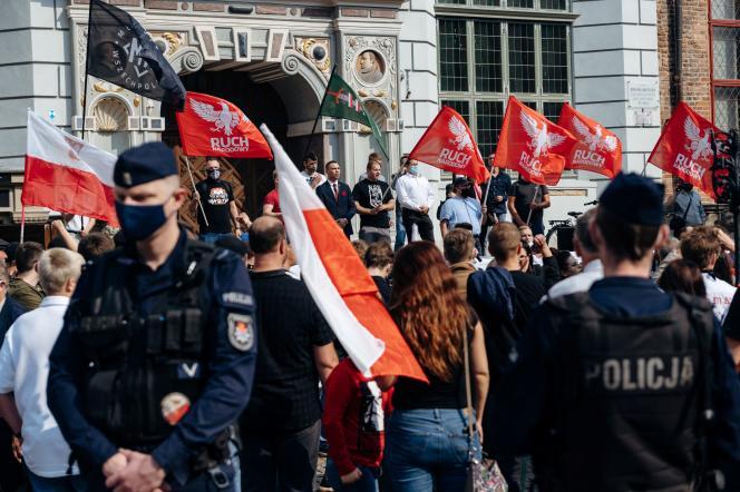 Lors d'une manifestation nationaliste« anti-LGBT», àGdansk, le 12 septembre 2020.